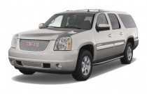 2008 GMC Yukon XL Denali AWD 4-door 1500 Angular Front Exterior View