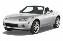 2008 Mazda MX-5 Miata 2-door Convertible PRHT Man Touring Angular Front Exterior View