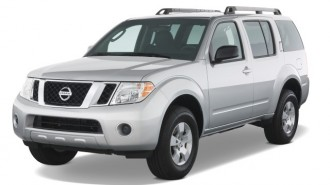 2008 Nissan Pathfinder 2WD 4-door V6 SE Angular Front Exterior View