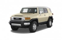 2008 Toyota FJ Cruiser 4WD 4-door Auto (Natl) Angular Front Exterior View