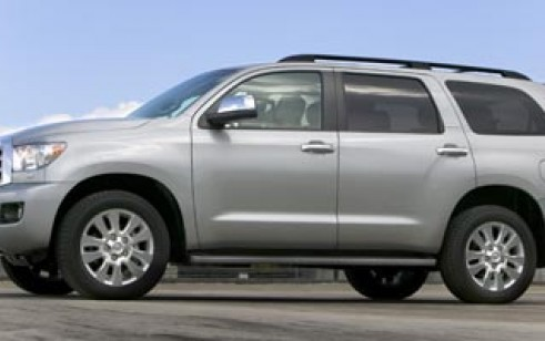 2008 toyota sequoia vs chevrolet suburban nissan armada the car connection. Black Bedroom Furniture Sets. Home Design Ideas