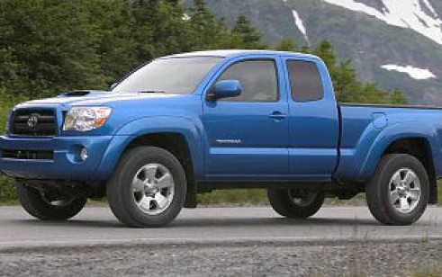 2008 toyota tacoma vs chevrolet colorado dodge dakota. Black Bedroom Furniture Sets. Home Design Ideas