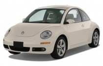 2008 Volkswagen New Beetle Coupe 2-door Auto S Angular Front Exterior View