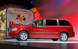 Chrysler Refines Its Minivan Recipe