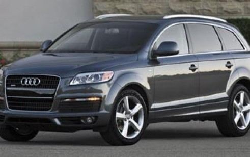 2009 audi q7 vs porsche cayenne mercedes benz gl class volkswagen touareg the car connection. Black Bedroom Furniture Sets. Home Design Ideas