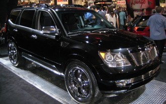 SEMA: 2009 Kia Borrego Strikes a Limited Pose