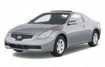 2009 Nissan Altima 2-door Coupe I4 CVT S Angular Front Exterior View