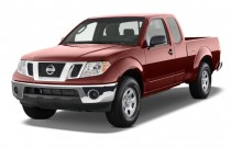 2009 Nissan Frontier 2WD King Cab I4 Man SE Angular Front Exterior View