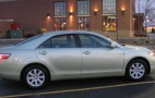 Review: 2009 Toyota Camry Hybrid