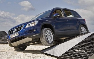 Video: IIHS Adds Roof Strength Crash Test Rating