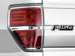 """2010 Ford F-150 2WD SuperCrew 145"""" XLT Tail Light"""