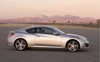 2010 Hyundai Genesis Coupe Gets Mid-Year Nav, Tech Update