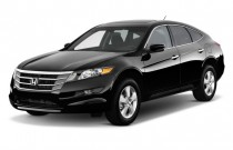 2010 Honda Accord Crosstour 2WD 5dr EX Angular Front Exterior View