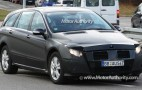 Mercedes-Benz R-Class soldiers on