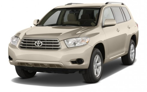 2010 Toyota Highlander FWD 4-door L4  Base (Natl) Angular Front Exterior View