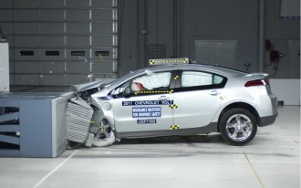 2011 Chevrolet Volt: Top Safety Ratings From Both U.S. Agencies