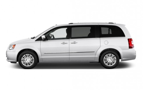 2011 chrysler town country vs toyota sienna honda. Black Bedroom Furniture Sets. Home Design Ideas