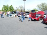 Earth Day: Eager Electric-Car Advocates Meet Unaware Public