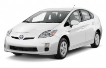 2011 Toyota Prius 5dr HB II (Natl) Angular Front Exterior View