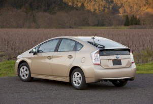 How Much Gasoline Can You Save With A Hybrid Or Plug-In Car?