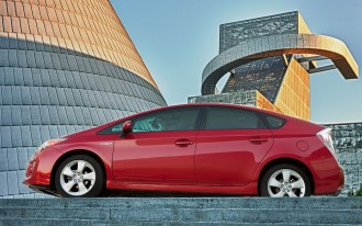 2014 Toyota Prius Slips To Four-Star Federal Safety Rating