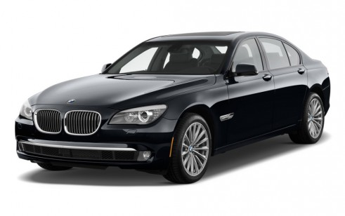2012 BMW 7-Series 4-door Sedan 750i RWD Angular Front Exterior View