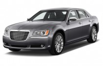 2012 Chrysler 300 4-door Sedan V8 300C RWD Angular Front Exterior View