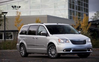 2012 Chrysler Town & Country, 2012 Dodge Grand Caravan Are Top Safety Picks
