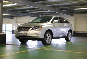 Lexus RX 450h Drive To Geneva: What (MPG)'ll She Do, Mister?