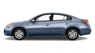 2012 Nissan Altima 4-door Sedan I4 CVT 2.5 S Side Exterior View