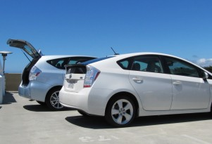 2012 Toyota Prius: GreenCarReports' Best Car To Buy 2012