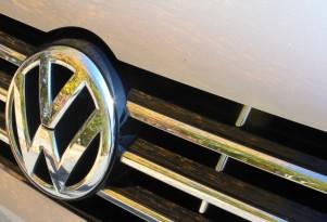 Deadline for regulators, VW to agree on diesel changes extended to April 21