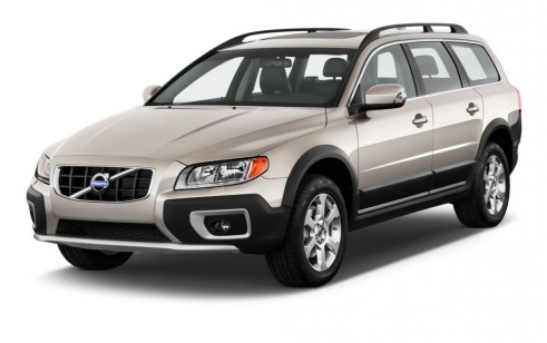 2012 Volvo XC70 AWD 4-door Wagon 3.2L Angular Front Exterior View