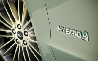 Ford C-Max, Fusion, Lincoln MKZ Hybrids Get More MPGs Via Software Update