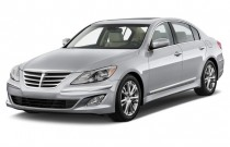 2013 Hyundai Genesis 4-door Sedan V6 3.8L Angular Front Exterior View