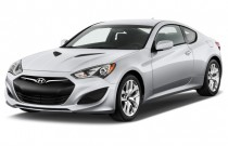 2013 Hyundai Genesis Coupe 2-door I4 2.0T Auto Angular Front Exterior View