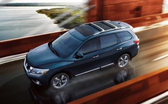 2013-2014 Nissan Pathfinder recalled for brake light problem