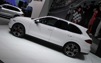 2014 Porsche Cayenne, 2014 Toyota Yaris, 2016 BMW 7-Series: What's New @ The Car Connection