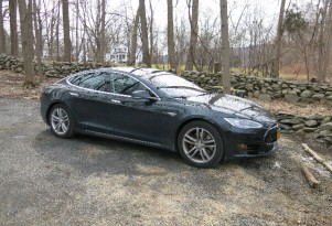 Life With Tesla Model S: UPDATE On Pedal Placement Problem
