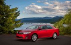 2013 Toyota Camry Hybrid Gains Interior, Tech Upgrades