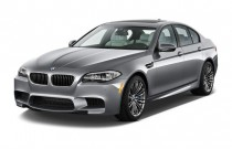 2014 BMW M5 4-door Sedan Angular Front Exterior View