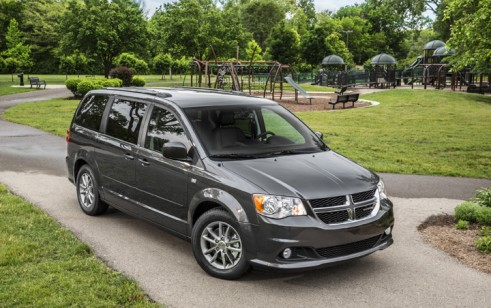 2014 dodge grand caravan vs chrysler town country honda. Black Bedroom Furniture Sets. Home Design Ideas