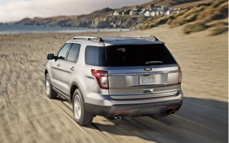 Feds investigating Ford Explorers over exhaust leaking into cabin