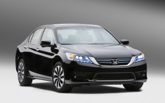 2014 Honda Accord Hybrid Earns 50 MPG, Priced From $29,155