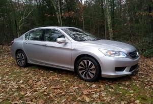 Green Car Reports' Best Car To Buy: 2014 Honda Accord Hybrid