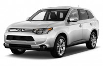 2014 Mitsubishi Outlander 4WD 4-door GT Angular Front Exterior View