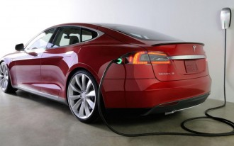 Elon Musk Wasn't Kidding: Tesla Is Developing An Automated Plug-In 'Snake Charger'