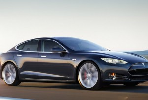 Tesla Model S Showroom Discounts Doubled On Outdated Loaner Cars