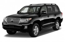 2014 Toyota Land Cruiser 4-door 4WD (Natl) Angular Front Exterior View
