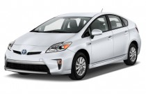 2014 Toyota Prius Plug In 5dr HB (Natl) Angular Front Exterior View